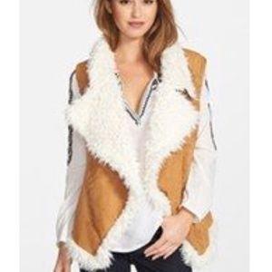 Two by Vince Camuto faux fur ultra suede vest L